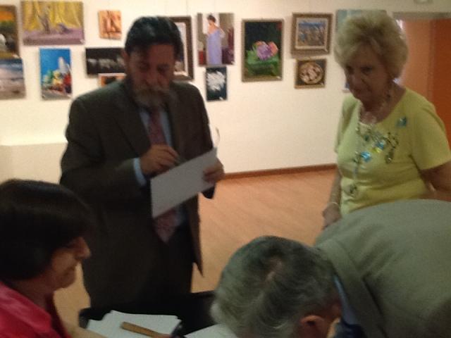 Sr. Astudillo y Doña Eulalia Peñafiel ,firmando las actas