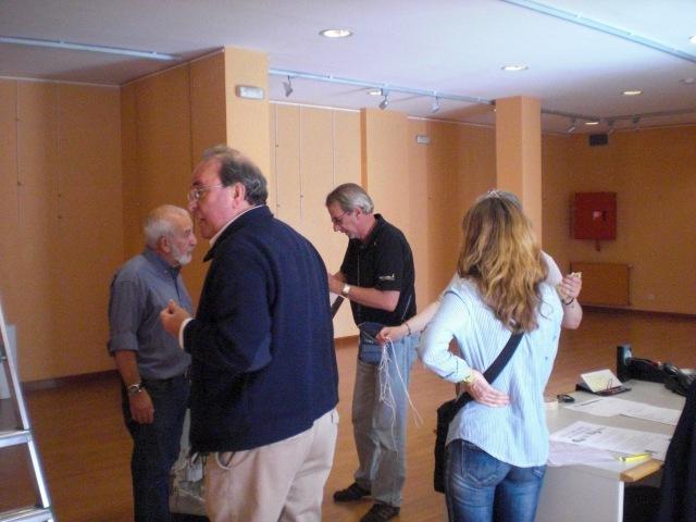 Rodolfo Garrido, Jose Luis  Perales,Risoto y una participante.COLOCANDO LOS PRIMEROS CUADROS