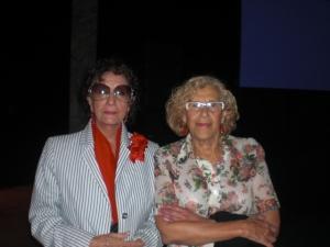 LA ALCALDESA DE MADRID y Carmen Holgueras ,presidenta de la Asociación Nacional de Artistas